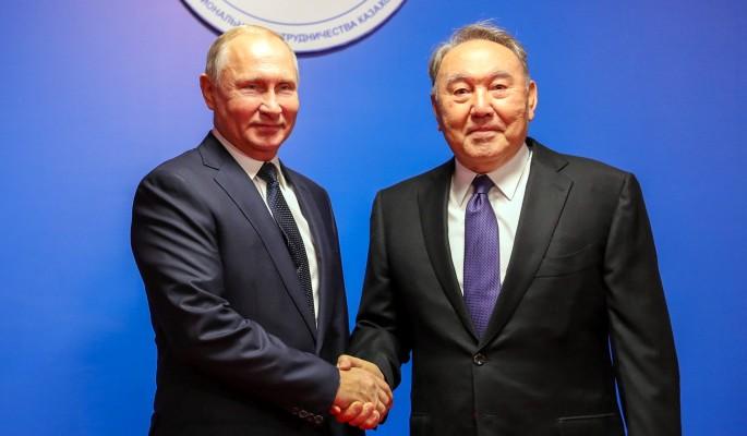 Гнутый гвоздь и кнут: Назарбаев странно порадовал Путина