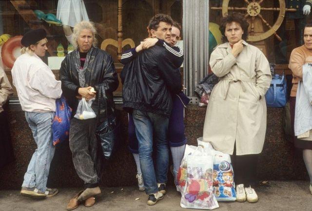 Россия начала 90-х на фото Жан-Поля Гийото