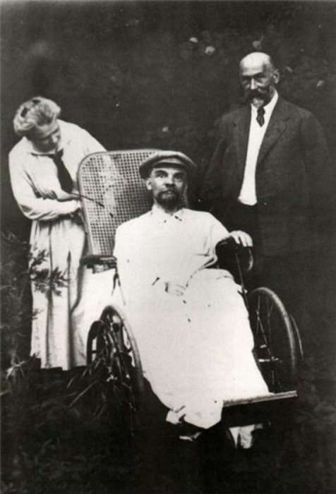 Исторические мистификации: Легенды о жизни Гагарина, Ленина, Бандеры и других известных личностей, в которые многие верят до сих пор история