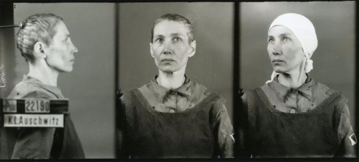 Каждого заключенного полагалось фотографировать в трех ракурсах: профиль (затылок упирается в кронштейн), анфас и 3/4 (в головном уборе).