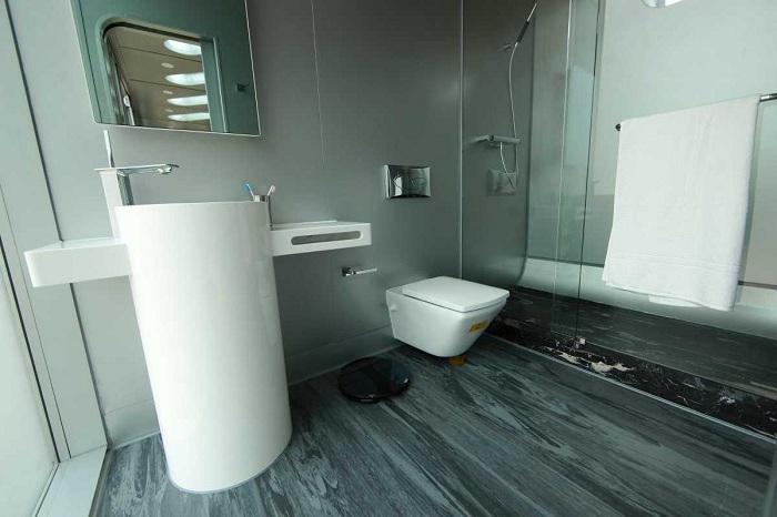 В мини-апартаментах есть полноценная ванная комната (Alpod, Китай). | Фото: bigpicture.ru.