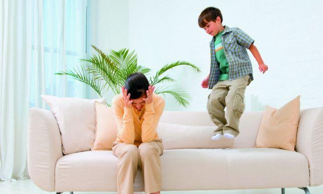 Повышенная нервная возбудимость у ребенка: что делать родителям непоседы?