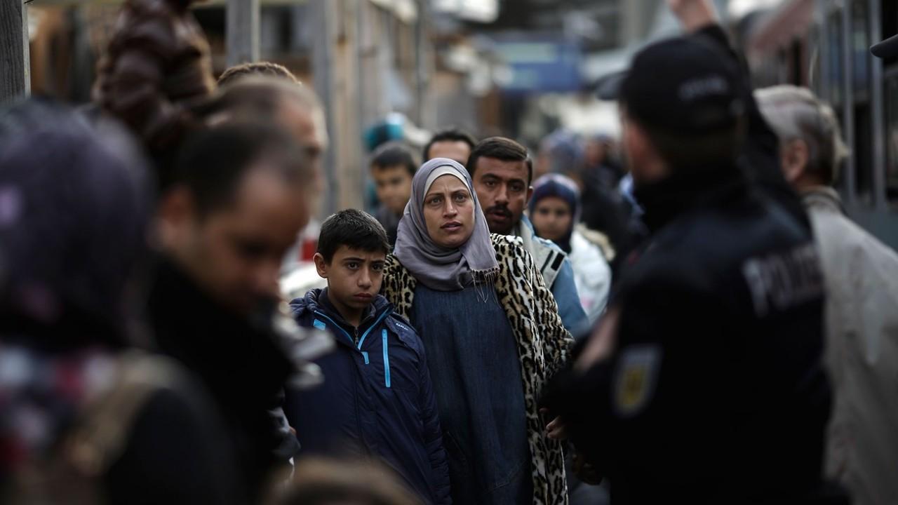 Немецкие копы начали отстреливать «бедных беженцев»