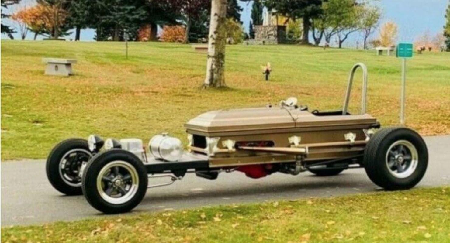 Гроб на колёсах или Дракуламобиль Автомобили