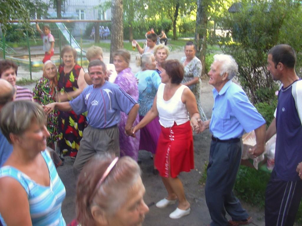 без танцев никуда....Юбилей дома
