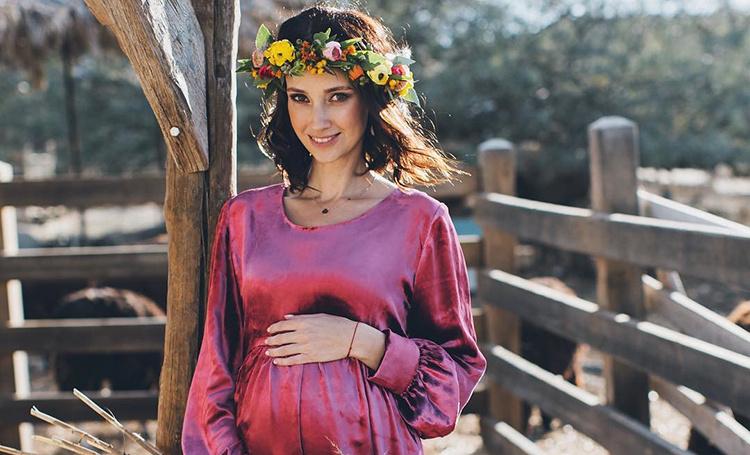 Анастасия Цветаева ждет третьего ребенка