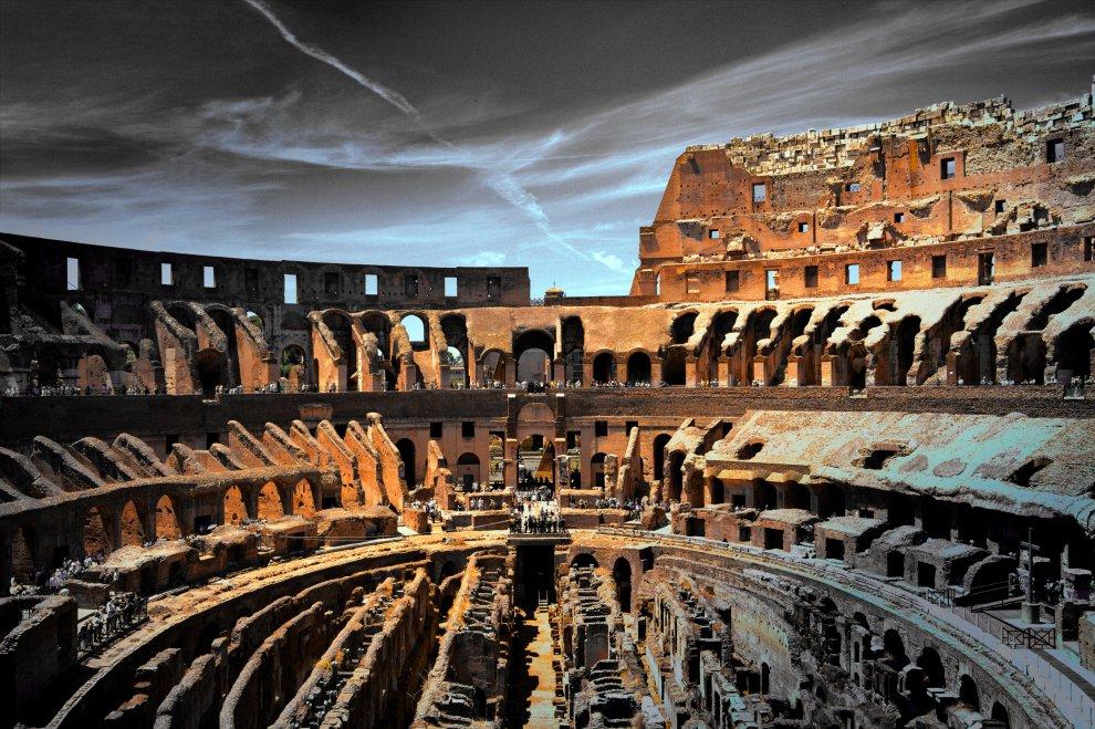 Бесценные артефакты лежали тысячи лет, а потом их случайно сломали Культура
