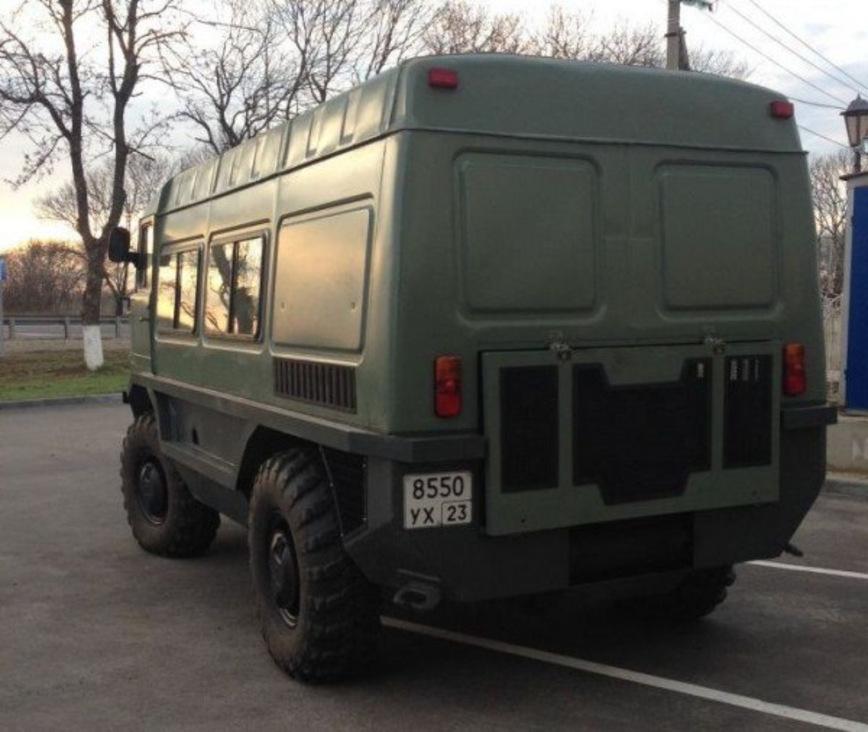 В Армавире объединили ГАЗ-66 и БТР-70, чтобы получить плавающий автодом «Барсук» авто,авто и мото,автомобиль,автоновости