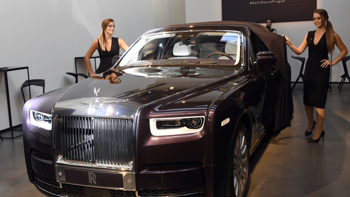 Разбившему чужой Rolls-Royce рабочему придётся продать всё