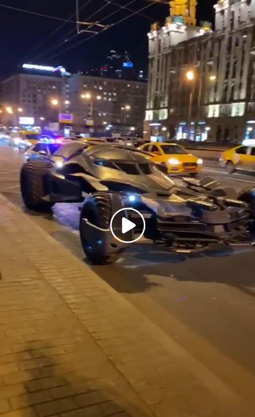 Самодельный «автомобиль Бэтмена» задержали в Москве автосамоделки марки и модели,гибдд,невероятное на дорогах
