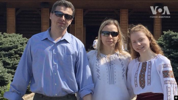 17-летняя украинка-эмигрантка придумала ДНК-робота для лечения болезней Паркинсона и Альцгеймера ДНК,жизнь,факты