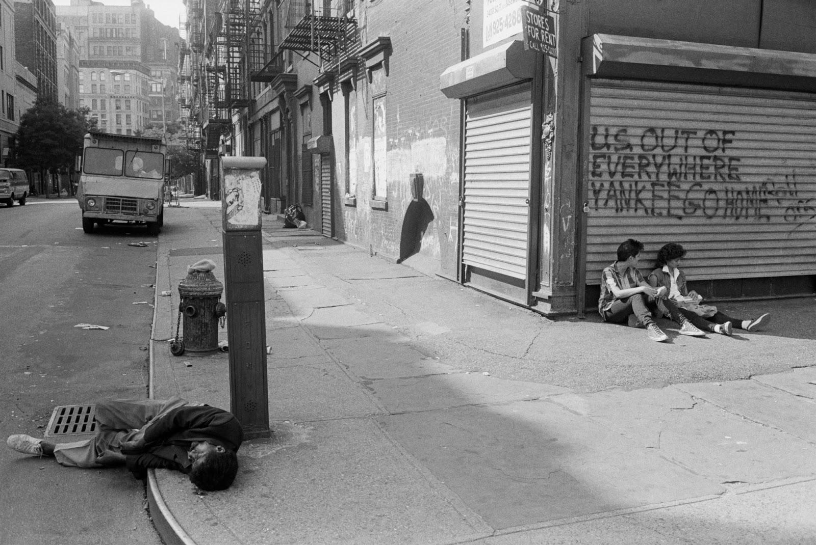 Бомжи, проповедники и проститутки: улицы Нью-Йорка 70-х Бауэри, Элизабетстрит, Бликерстрит, 1973Район, Манхэттен, 1970Пересечение, именно, 1976Крайстистрит, 6стрит, 1980Пересечение, метроD, 1970Ветка, 1980Мидтаун, 1973Пересечение, 1975Даунтаун, 1981Делансистрит, Граздародился, фогографии, самых, 1976Мидтаун