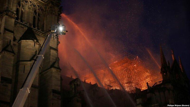 Французский бизнесмен пожертвовал €100 млн на восстановление собора Парижской Богоматери благотворительность, пожар в Нотр-Дам-де-Пари, пожертвование