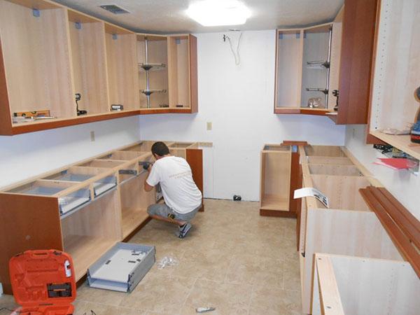 Сборка кухонного гарнитура – секреты мастерства