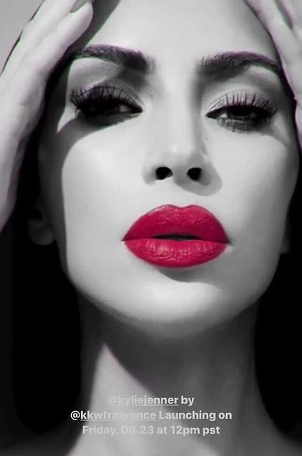Кайли Дженнер и Ким Кардашьян выпустили совместную коллекцию парфюма Новости красоты