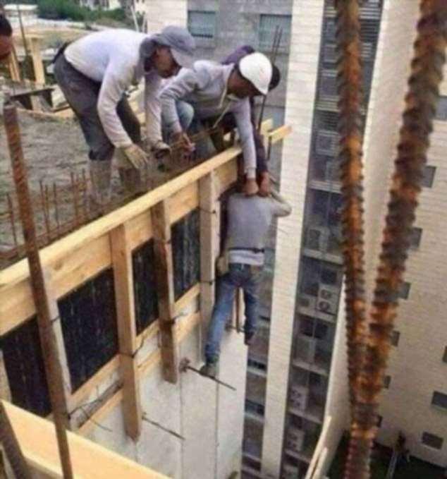 Строительные приколы ошибки и маразмы. Подборка chert-poberi-build-chert-poberi-build-49400623082020-14 картинка chert-poberi-build-49400623082020-14