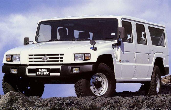 Toyota Mega Cruiser - супернадежный внедорожник, на который оборачиваются даже владельцы «Геликов» и «Крузаков»