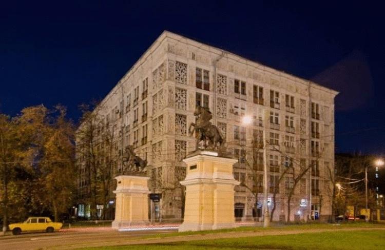 «Ажурный дом» на Ленинградке: Почему проект типовых «кружевных» многоэтажек так и не реализовали в Москве