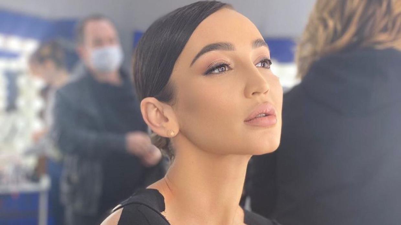 «Закусывать надо»: Бузова насмешила поклонников выстраданными слезами в Греции Шоу-бизнес
