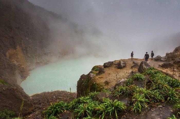 Кипящее озеро в Доминике