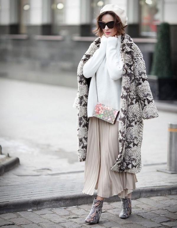 что носить с юбкой зимой