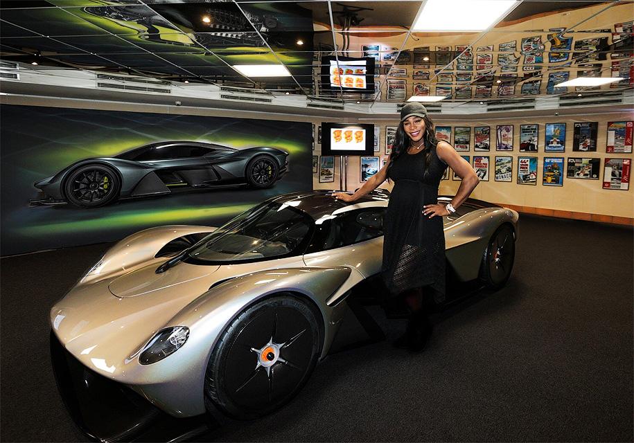 У гиперкара Aston Martin буд…