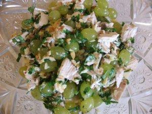 Салат из куриной грудки с зе…