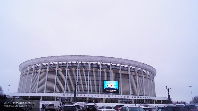 Очевидцы сообщили о задымлении на территории СКК в Петербурге