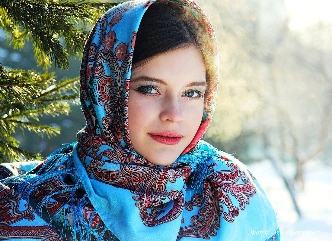 Картинки красивых женщин в платка