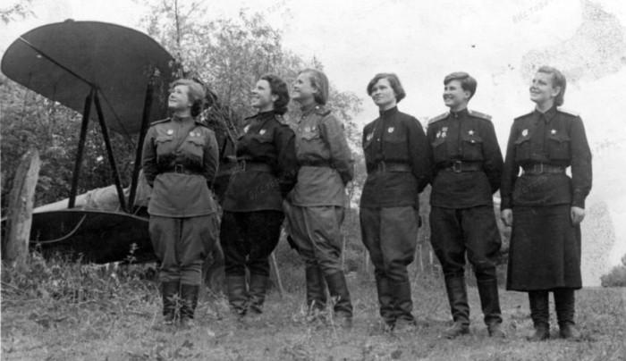 «Ночные ведьмы»: девушки-пилоты, державшие в страхе немцев во время Великой Отечественной войны