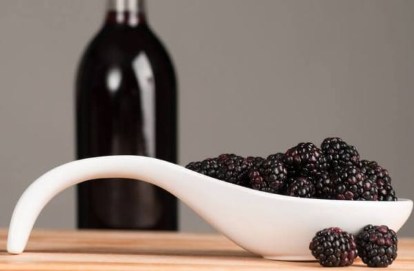Не ешь, ёж, ежевику, а то и тебя на вино пустим! Рецепты самого вкусного ежевичного вина
