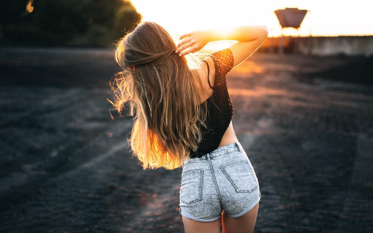Если ты красивая, молодая девушка и на тебя клюют «папики», то почему бы и нет!