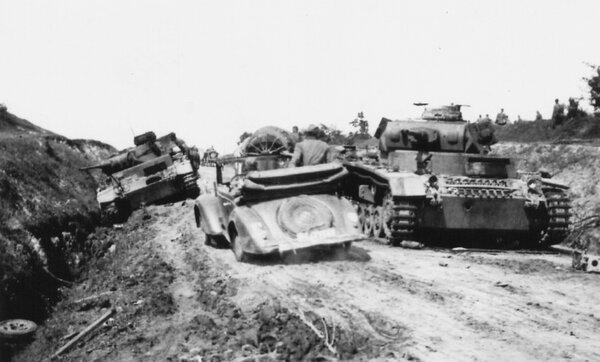 Как легкий танк БТ-7 разгромил две танковые колоны фашистов июне 1941