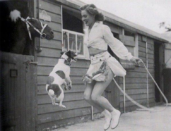 Таня и большая собака