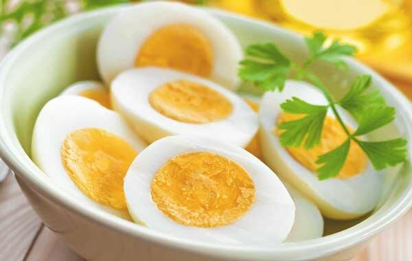Как приготовить сразу много яиц в духовке? Идеальный лайфхак к Новому году!
