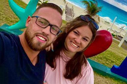 Празднование помолвки влюбленных на пляжном курорте закончилось обрушением крыши