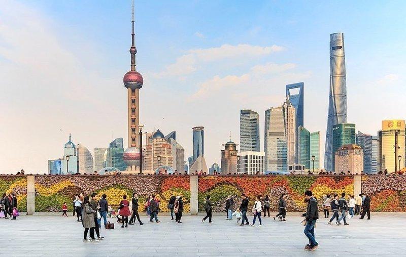 """Телебашня """"Восточная жемчужина"""" в Шанхае высотой 468 метров до 2007 года была самым высоким зданием в Китае виды, города, китай, красота, необыкновенно, пейзажи, удивительно, фото"""