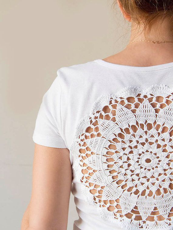 White t-shirt with doily back