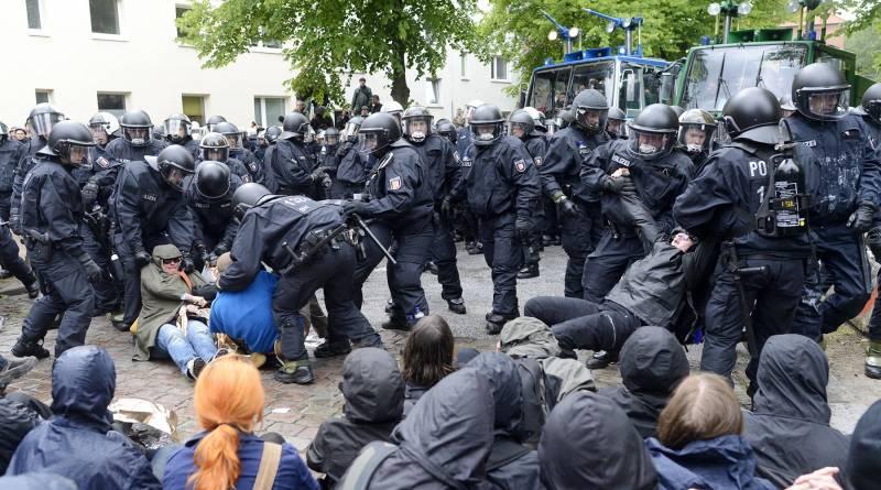 Ностальгия по вермахту и гестапо. Ультраправые проникают в силовые структуры ФРГ геополитика
