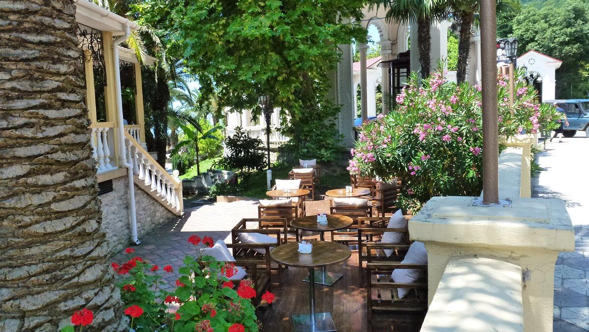 Стоит ли ехать в Абхазию на отдых в 2021 году? Абхазии, Villa, действительно, например, такого, только, стоит, ехать, городе, всего, вообще, неоспоримых, преимуществПрежде, можно, момент, отсутствие, между, данный, ГаграНа, покушатьКафе