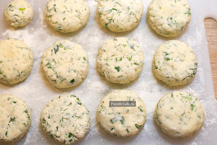 Соленые сырники с зеленью (этап 5)