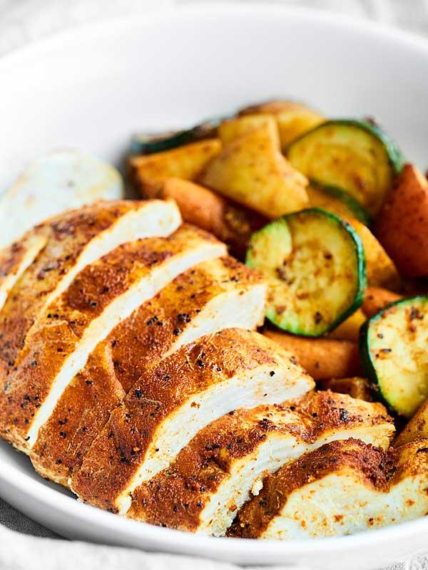 Как запечь куриное филе в фольге? Варианты приготовления блюда