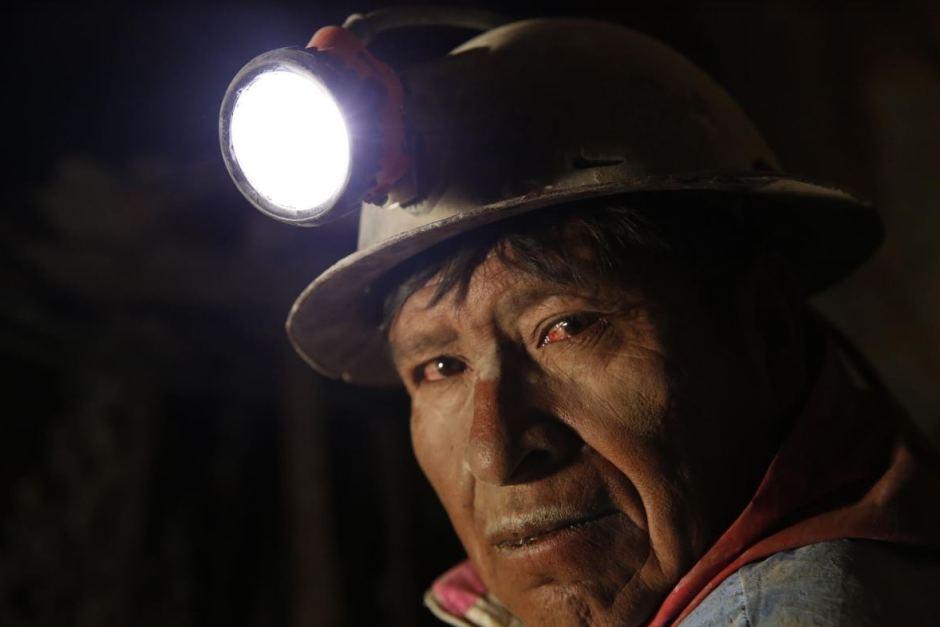 От вулкана до смертоносной шахты: как люди работают за https://mtdata.ru/u15/photo2153/20843643276-0/original.jpg интересное