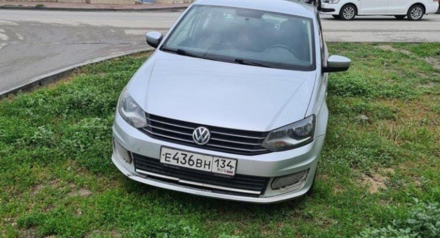 В Волгограде автомобилистам жалко платить 20 рублей за парковку Автомобили