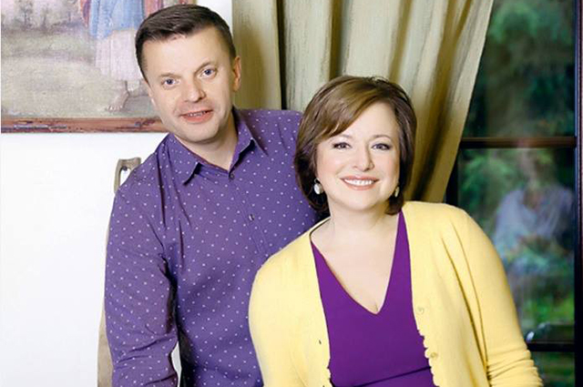 Леонид Парфенов с женой Еленой Чекаловой покинули Россию. Поклонники подозревают, что они эмигрировали