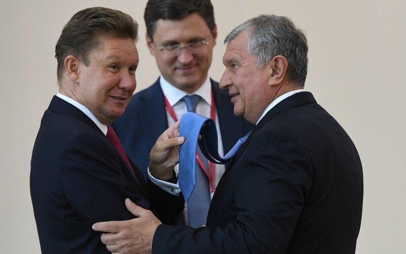 36 ТОП-менеджеров госкорпораций выписали себе премий больше, чем заработали 6 регионов России