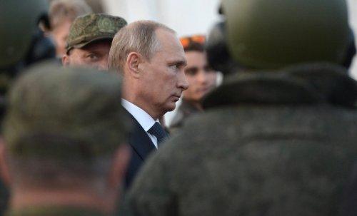 Грозит ли России серьёзная война, или оранжевая революция, с последующим распадом?