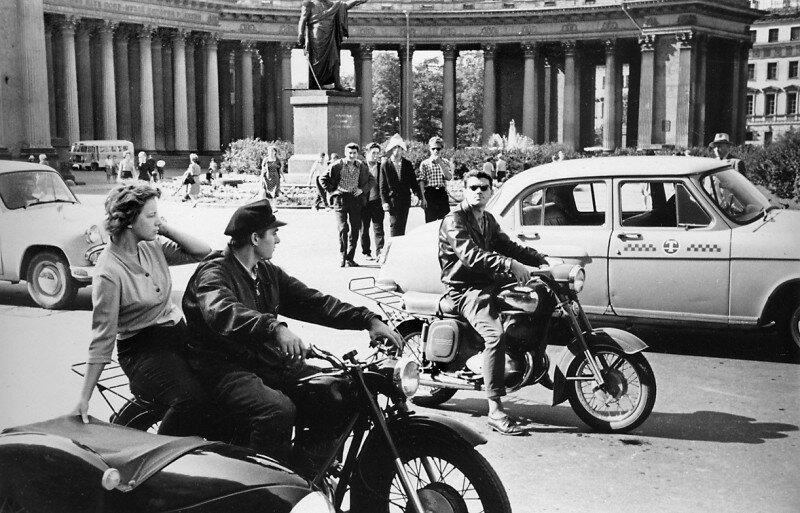 Напротив Казанского собора. Ленинград, 1962 история, ретро, фото