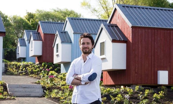 Шотландский ресторатор просто так построил для бездомных сограждан целую деревню