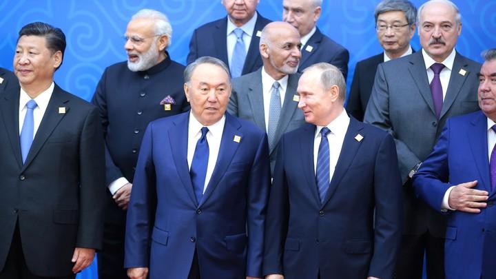 """Лукашенко был так зол, что наплевал на протокол: Китай дал """"ценные указания"""" Минску, заявил Безпалько геополитика"""